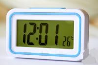Часы говорящие электронные с подсветкой